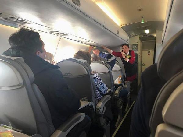Uçakta Dehşet! Uçağın İçi Bir Anda Isınmaya Başladı, Yolcular Fenalık Geçirdi