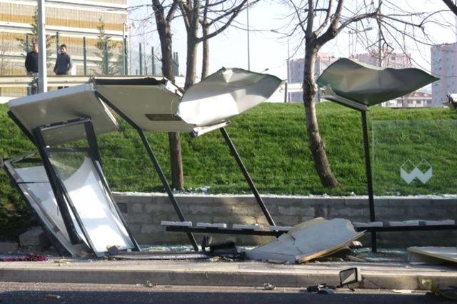 Üsküdar'da Halk Otobüsü Dehşeti! Durakta Bekleyenlerin Arasına Daldı: 3 Ölü, 5 Yaralı