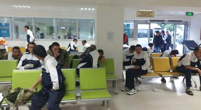 Yine Manisa Yine Zehirlenme Vakası! 50 Asker Zehirlenme Şüphesi İle Hastaneye Kaldırıldı