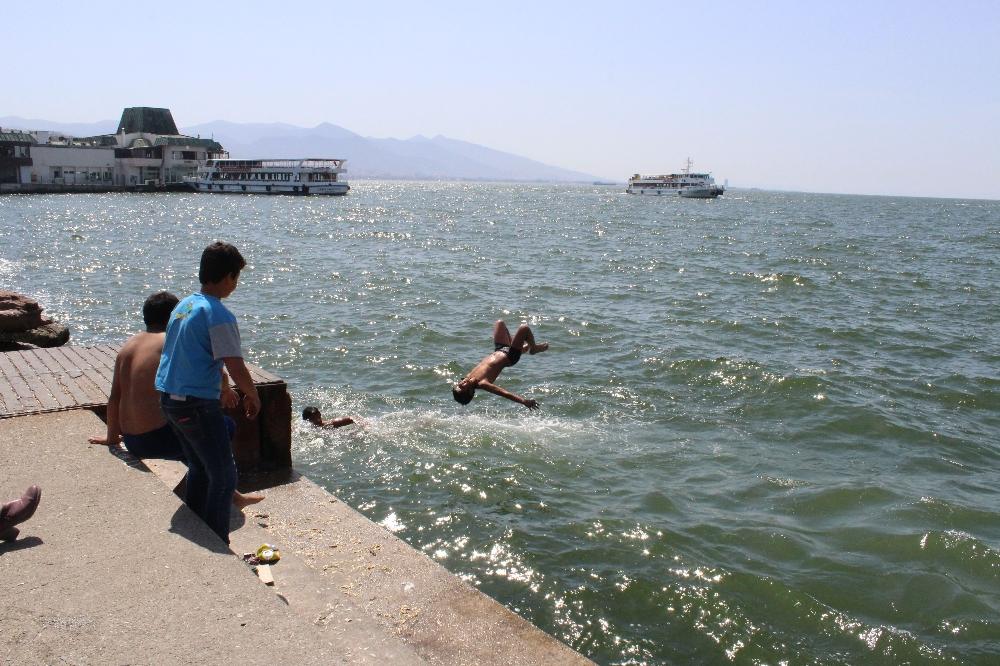 İzmir'de Temmuz Görünümlü Nisan